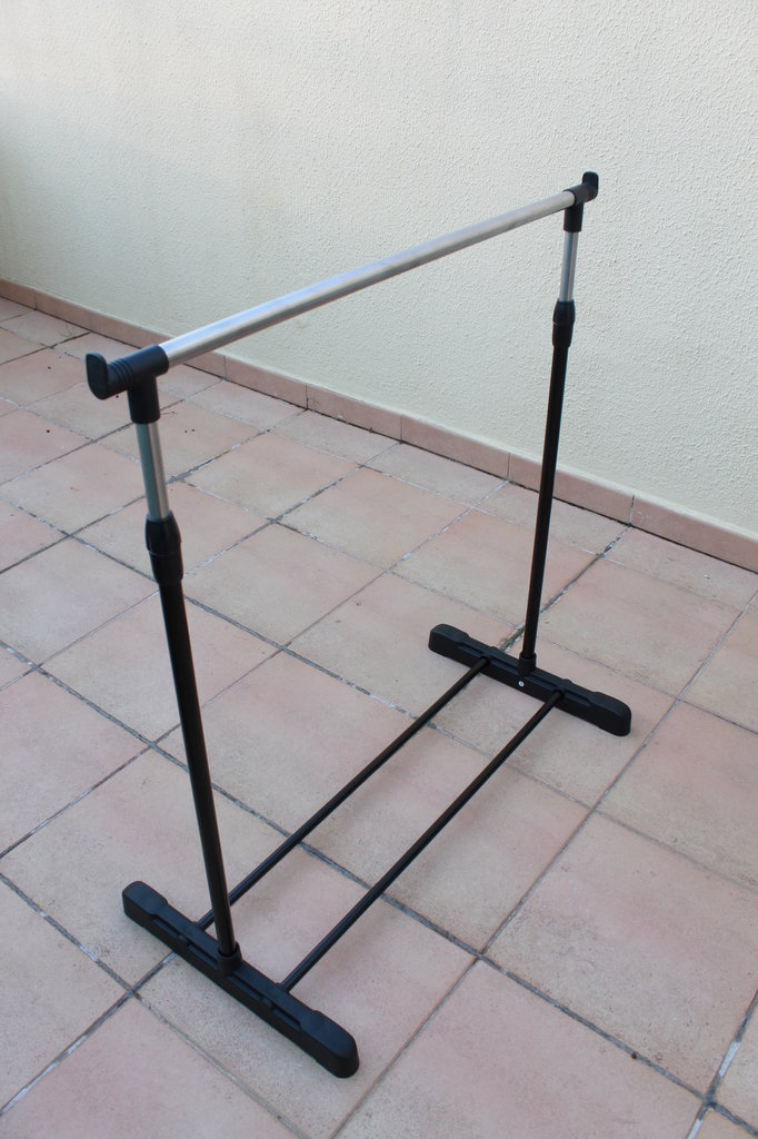 ADJUSTABLE EASEL 840MM