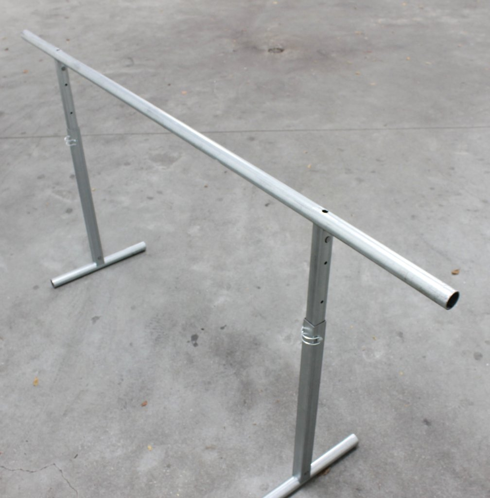 ADJUSTABLE EASEL 1500MM